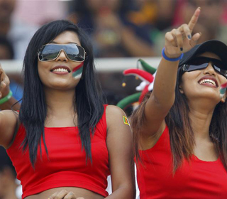 Beautiful Sri Lanka Cricket Fans
