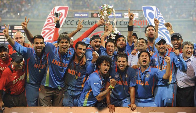 Indian players celebrate after winning cricket world cup 2011 team