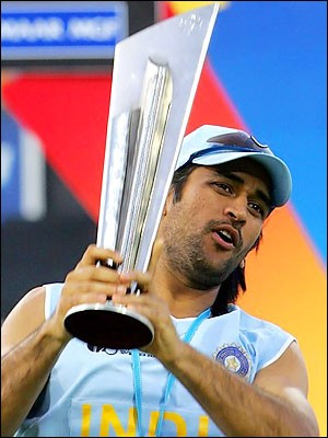 MS Dhoni with Twenty20 World Cup 2007 Trophy