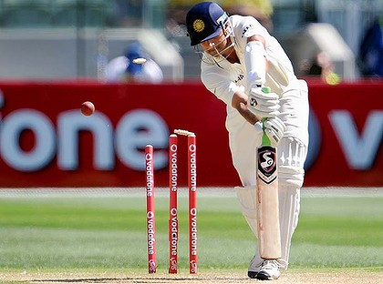 The Great Indian Wall - Rahul Dravid Clean Bold by Ben Hilfenhaus at the Day 3