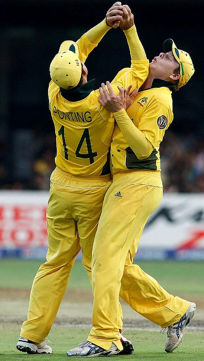 Ricky Ponting colission with Steve Smith During World Cup 2010