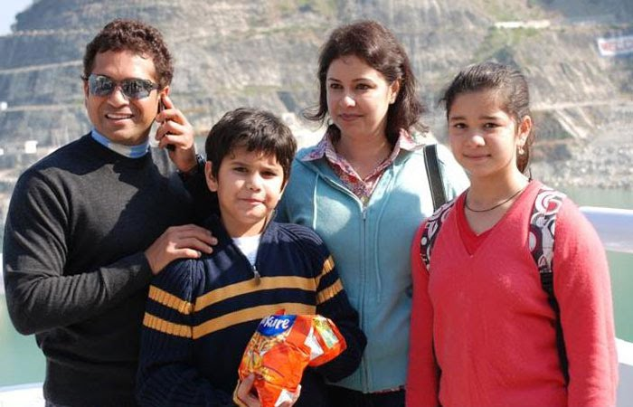 Sachin Tendulkar's Family - wife Anajli, son Arjun and daughter Sara