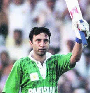 Saeed Anwar Scroed 194 Runs Against India at Chennai