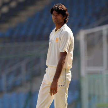 Mohammad Irfan - The Tallest Cricket Player