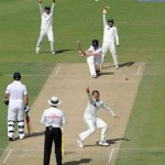 Pakistan struggles to save the second Test