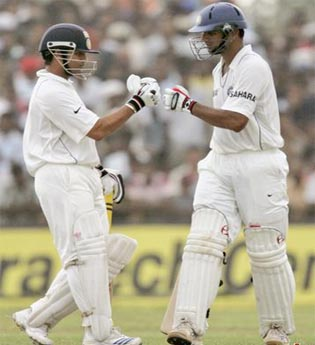 Rahul Dravid and Sachin Tendulkar hold the record of Highest ODI Partnership