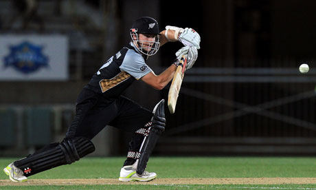 Kane Williamson's last over strike helped New Zealand win T20 match against Zimbabwe