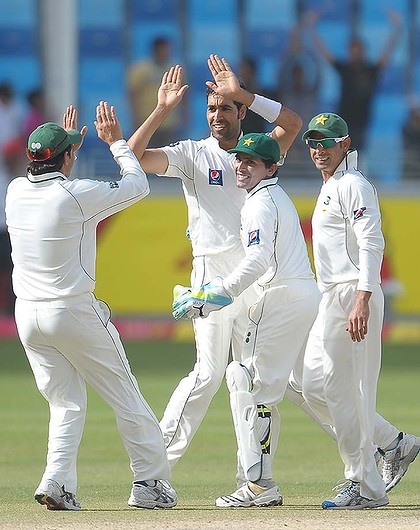 Umar Gul took 4 wickets