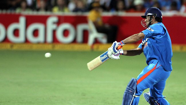 MS Dhoni - Sparking Finale