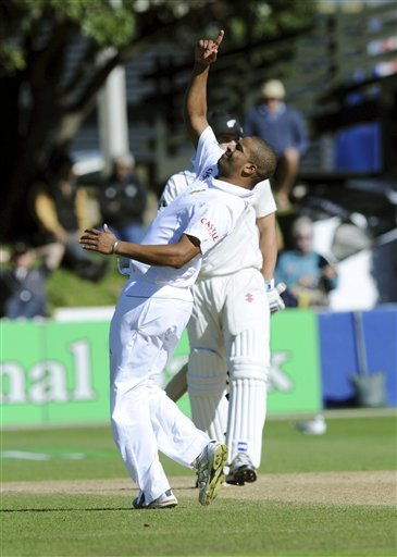 Vernon Philander - destroyed New Zealand batting by grabbing 6-81