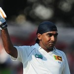 Mahela Jayawardenes ton keeps the Lankan Lions on top  2nd Test vs. England