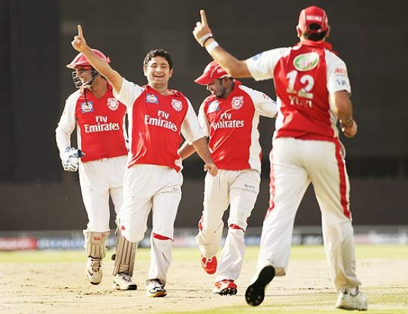piyush chawla- Deciding three wickets at a crucial moment