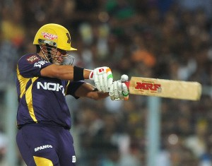 Gautam Gambhir powerfully leading KKR from the front