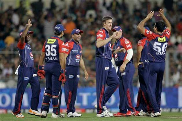 Morne Morkel celebrates with team mates