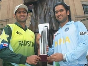MS Dhoni and Shoaib Malik prior to the big game
