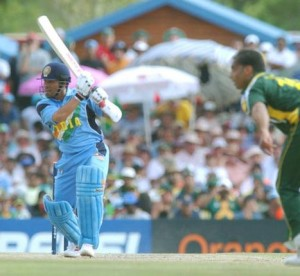 Sachin Tendulkar belts Shoaib Akhtar in the 2003 World Cup game