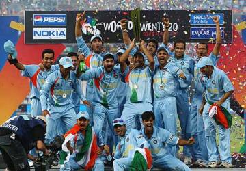 India exult after defeating Pakistan in the 2007 World T20 final