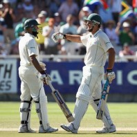Graeme Smith and Hashim Amla - A match winning 2nd wicket partnership of 178 runs