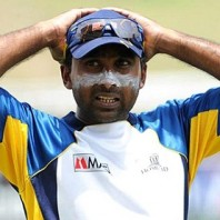 Mahela Jayawardene - Unhappy with the performance of his batsmen