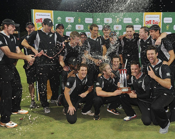 The jubilant New Zealand squad after winning the ODI sereis 2-1