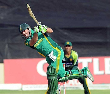 AB de Villiers - Dropped at one by Younis and smashed unbeaten 95 runs