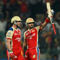 Virat Kohli and AB de Villiers - 103 runs third wicket partnership