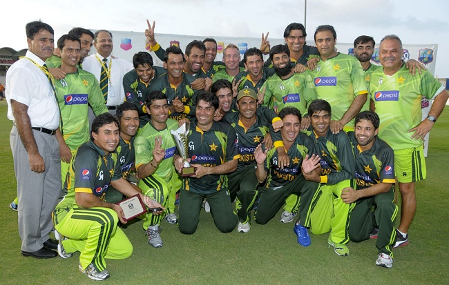 The victorious Pakistani squad after beating West Indies 3-1