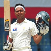 Khurram Manzoor - Consecutive fifties in the match