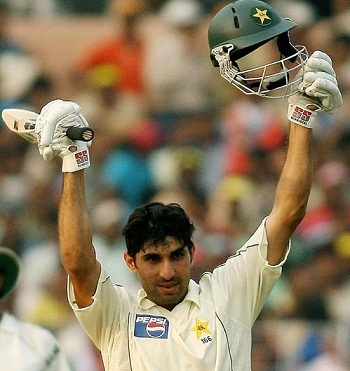 Misbah-ul-Haq - 4th Test hundred