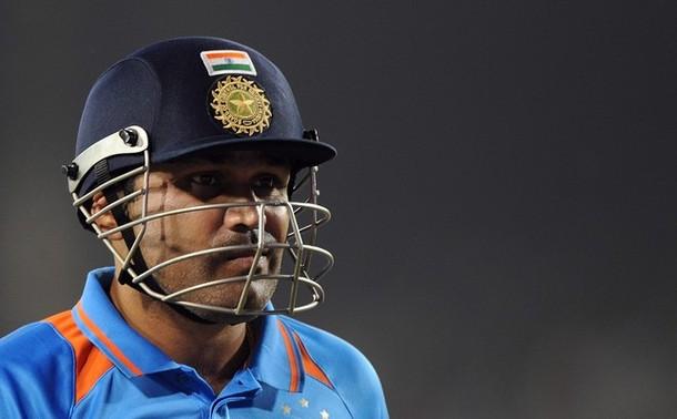 Virender Sehwag walks back to pavilion in 3rd ODI against West Indies