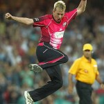 Brett Lee Hurt after being hit by MS Dhoni's lightening strike