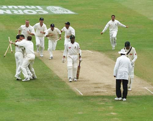 England Cricket Team of 1998 celebrating victory over South Africa