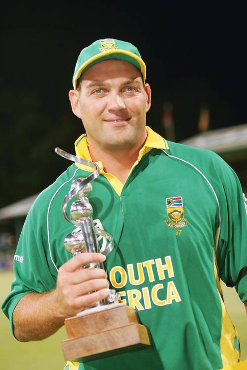 Jacques Kallis holds the record of most Man of the match in Test Cricket