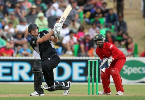 Rob Nicol's century helps New Zealand to won 2nd ODI against Zimbabwe