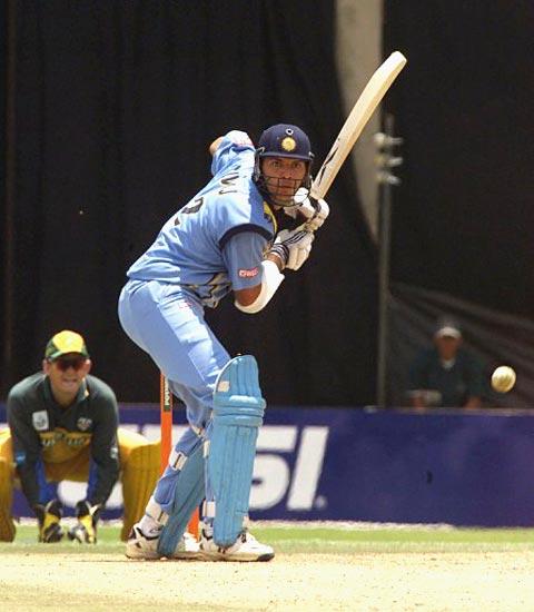 Yuvraj Singh Batting Against Australia in ICC Championship 2000