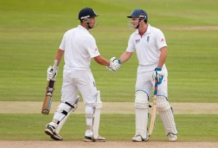 Jonathan Trott and Andrew Strauss smashed tons as England XI won the second warm up game