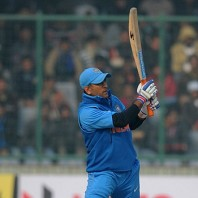 MS Dhoni - Another fighting knock of 36 runs
