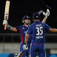Alex Hales and Michael Lumb - Murdered the New Zealand bowling