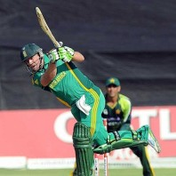 AB de Villiers - Dropped at one by Younis Khan and smahsed unbeaten 95 runs