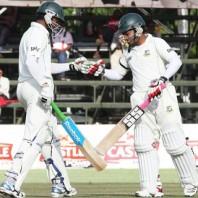 Shakib Al Hasan and Mushfiqur Rahim - A solid partnership of 123 runs for the 5th wickets
