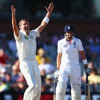 Peter Siddle - Two important wickets for Australia