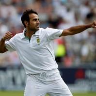 Imran Tahir - Career's best bowling figures of 5-32