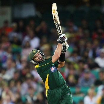 Shahid Afridi - Back to back towering sixes to win the game